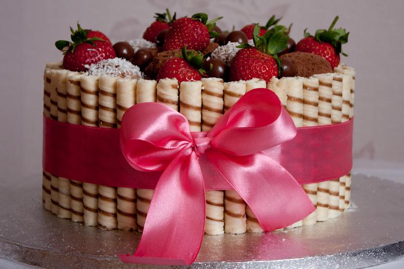 Торт вафельные трубочки